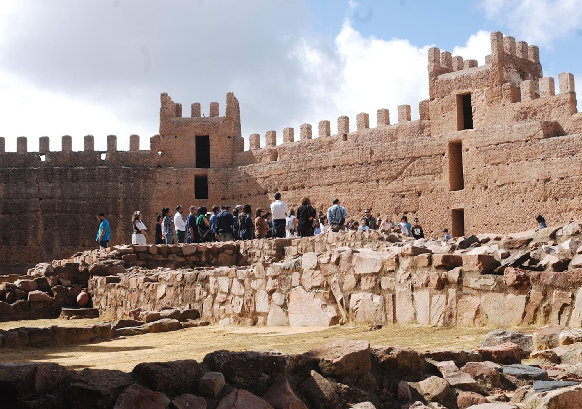 Visita guiada a castillo de ba os de la encina ja n reservar tour online con gu a oficial - Castillo de banos de la encina ...